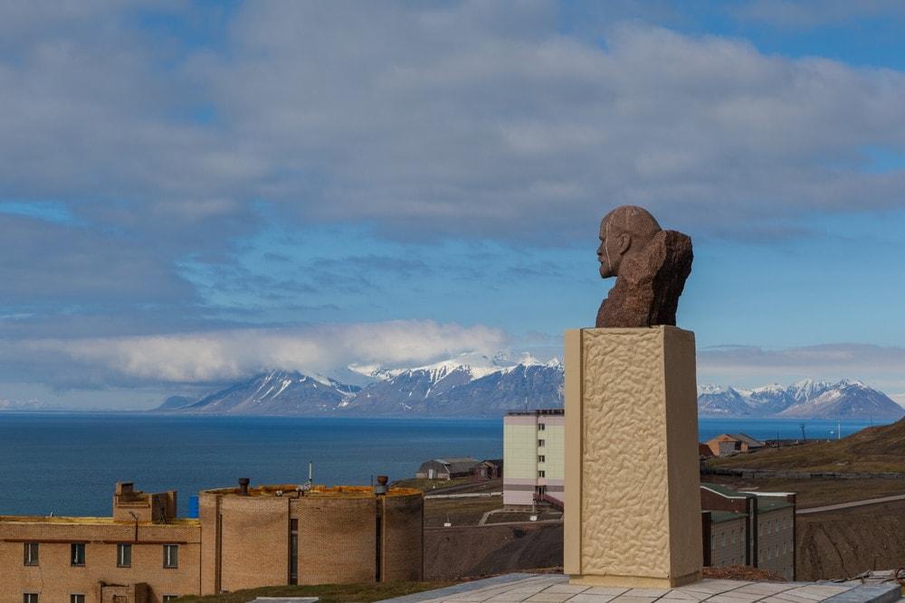 Lenin-Statue in Barentsburg auf Spitzbergen