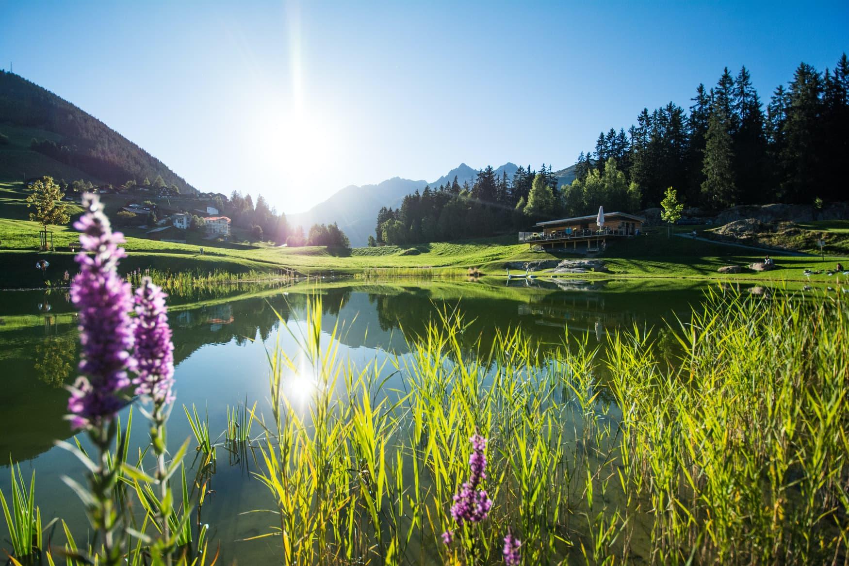 Sonnenschein über dem Lag da Claus in Graubünden