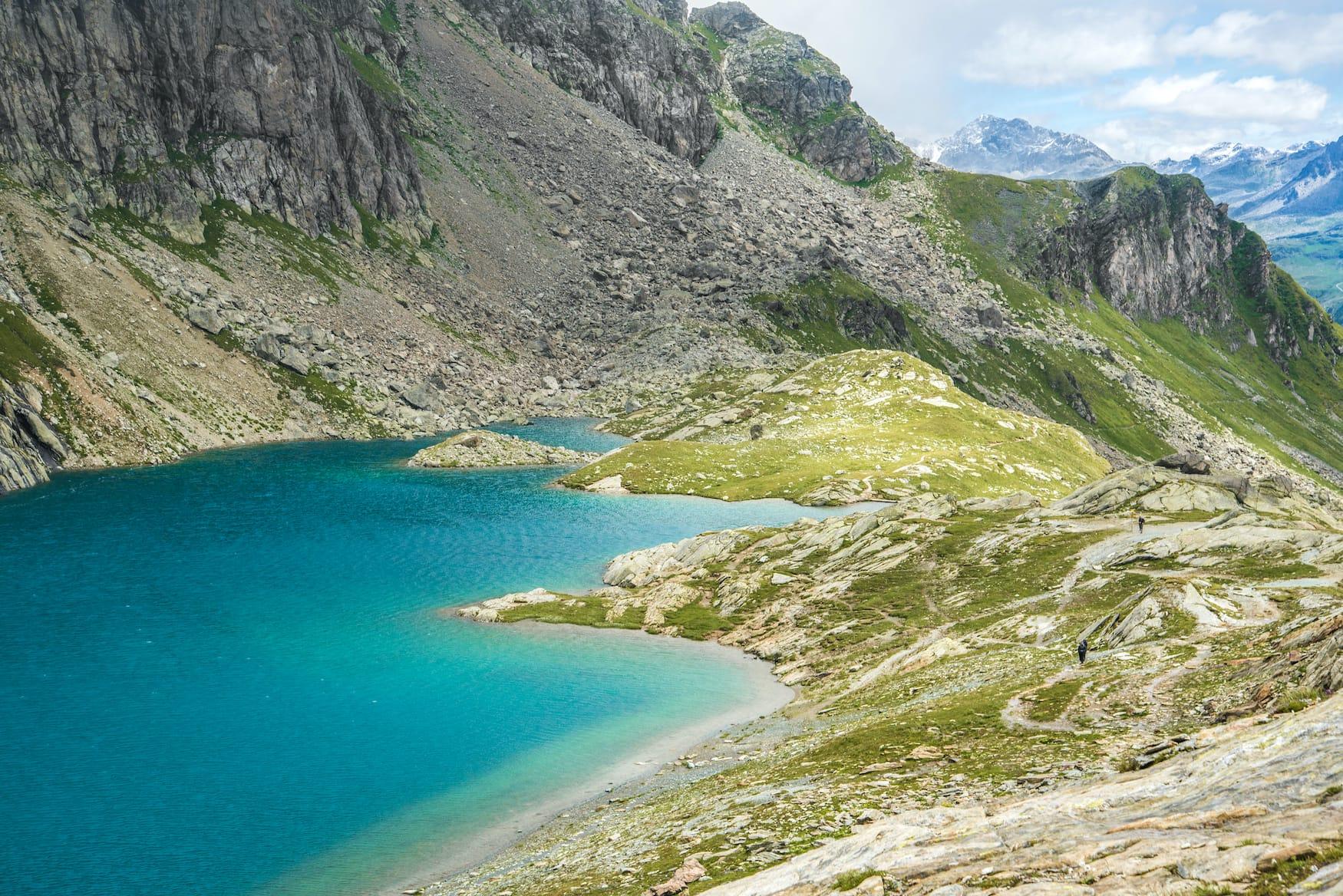 See in Graubünden: Der Lunghinsee strahlt in Türkis
