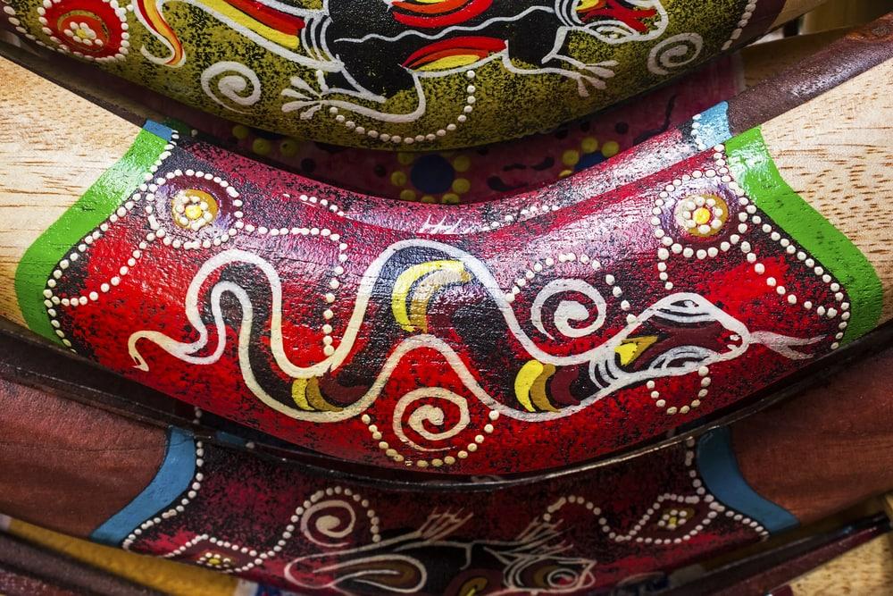 Boomerang von Aborigines bemalt
