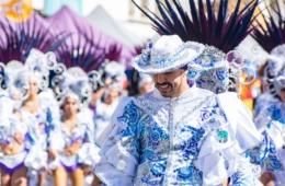 Teilnehmer des Karnevalsumzugs auf Lanzarote
