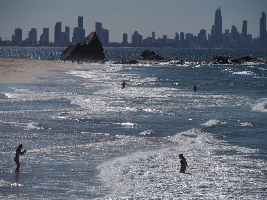 Wahnsinnsblick auf die Küstenlinie der Gold Coast
