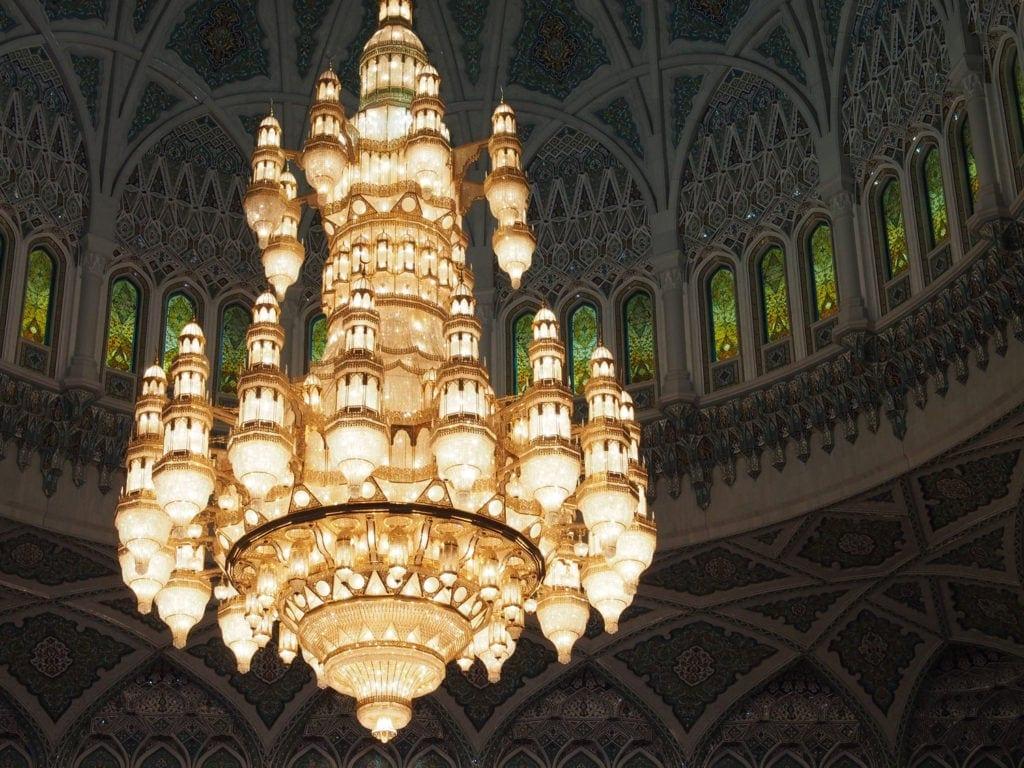 Kronleuchter in der Sultan-Qaboos-Grand-Moschee