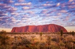 Bekannter Felsberg in Australiens Outback