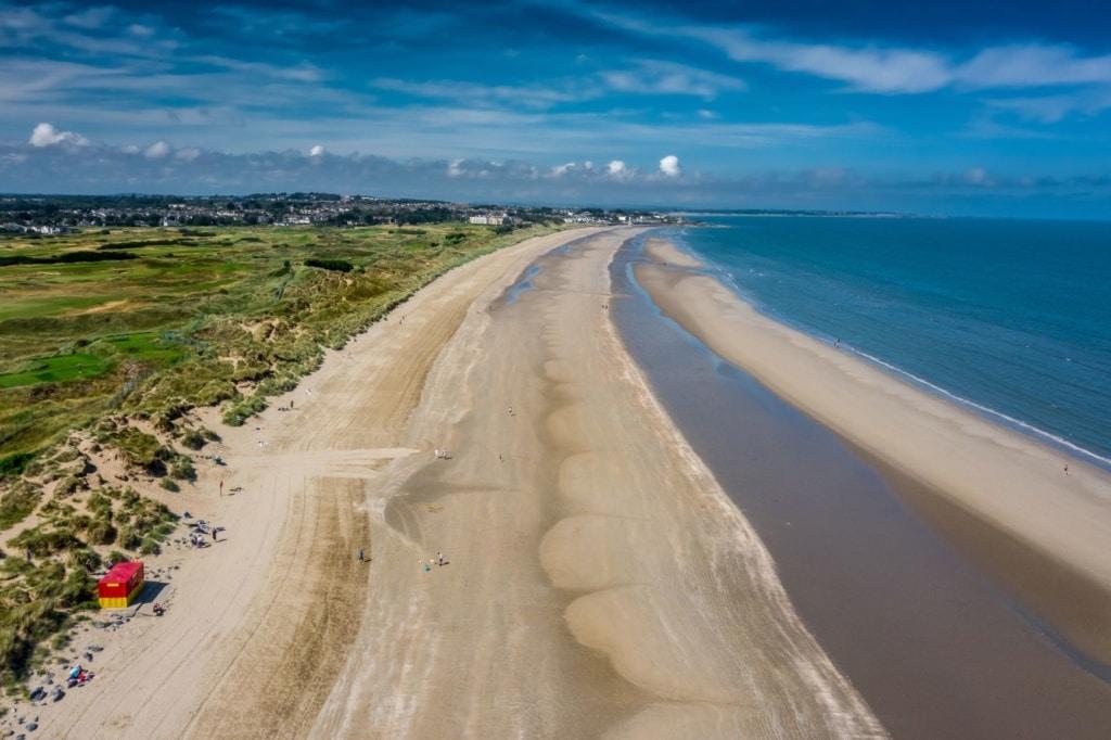 Portmarnock-Strand bei Dublin aus der Vogelperspektive