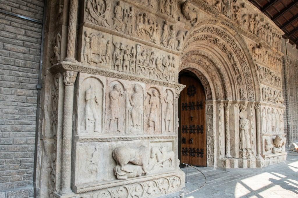 Portal des Klosters Ripoll