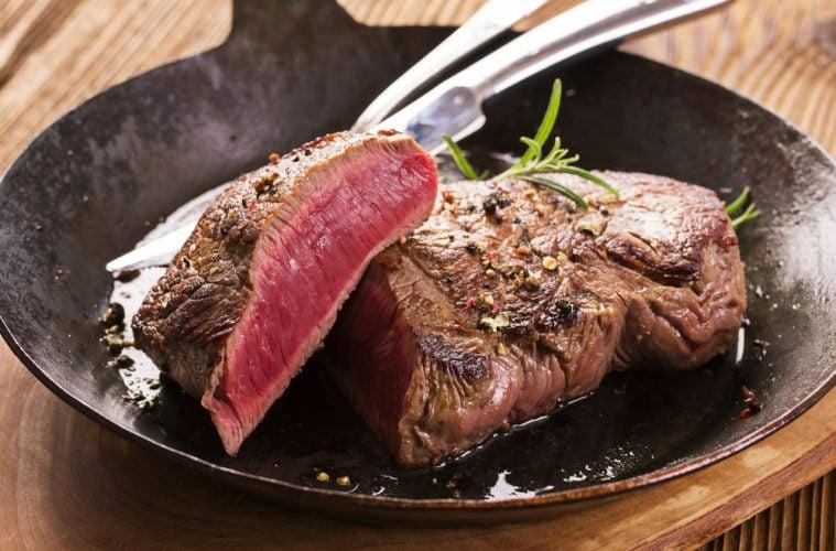 Kulinarik in Buenos Aires: ein saftiges Steak darf gern dazugehören