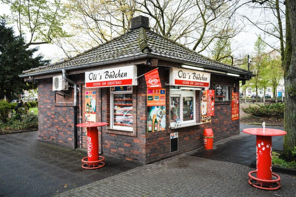 "Trinkhalle ""Oli's Büdchen - Kiosk am Ebertbad"" in Oberhausen"