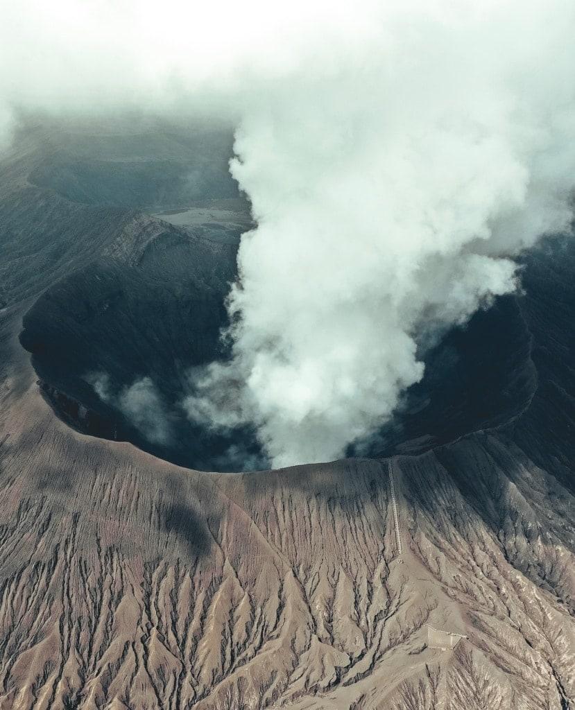 Was tun, wenn im Urlaub ein Vulkan ausbricht? Wir klären auf!