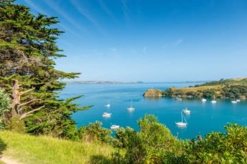 Segelschiffe vor Neuseeland's Küste