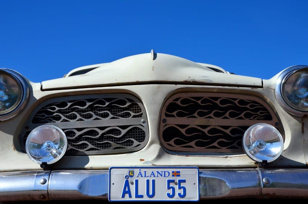 Altes Auto in Aland (Finnland)