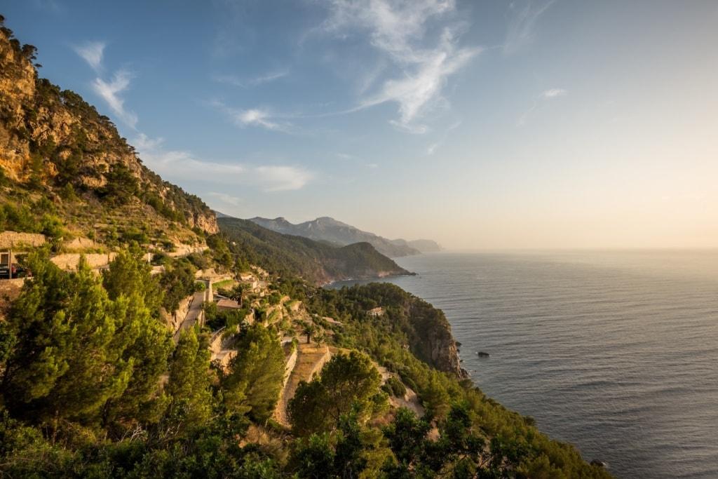 Bergweg zum Wandern auf Mallorca