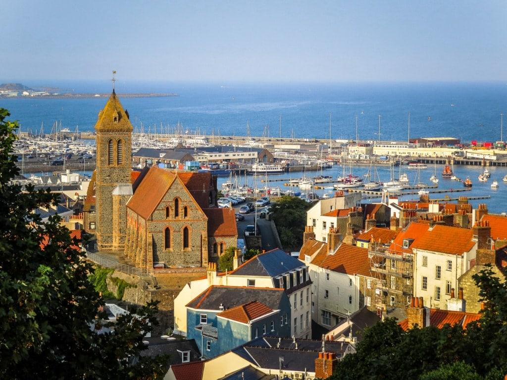 Der Blick über den Petersdom auf Guernsey.