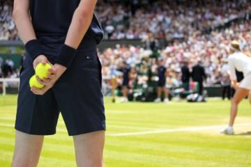 Balljunge während eines Spiels beim Tennisturnier in Wimbledon