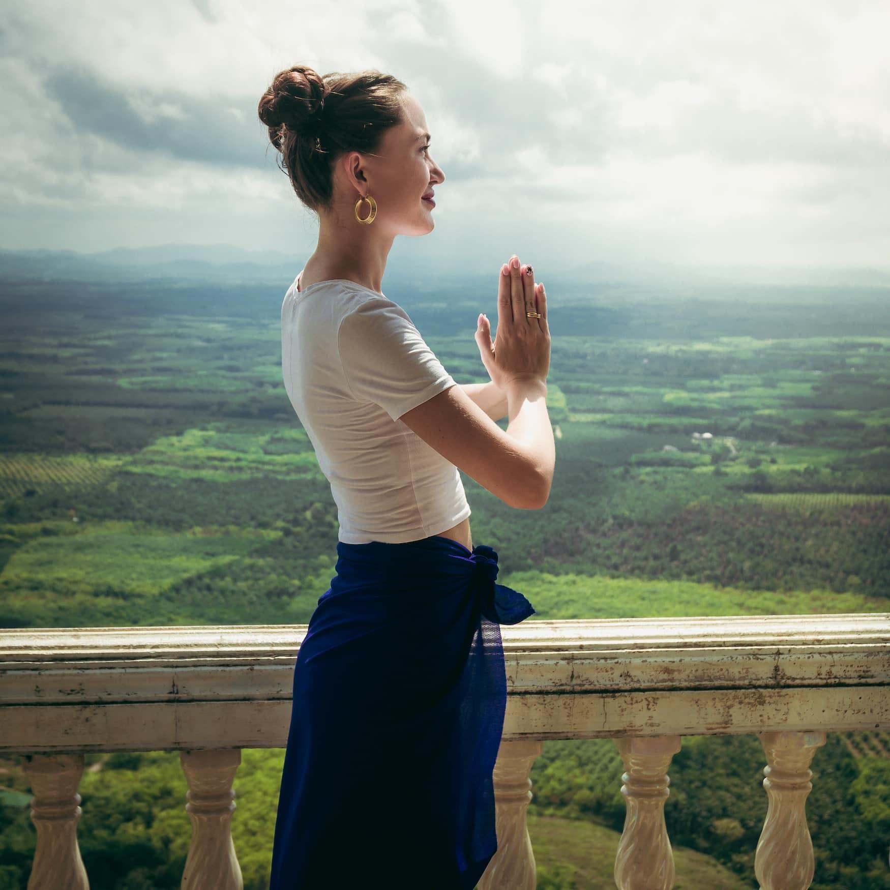 Andere Länder, andere Sitten: In Thailand begrüßt man sich, in dem man die Hände zusammenfaltet und sich verbeugt