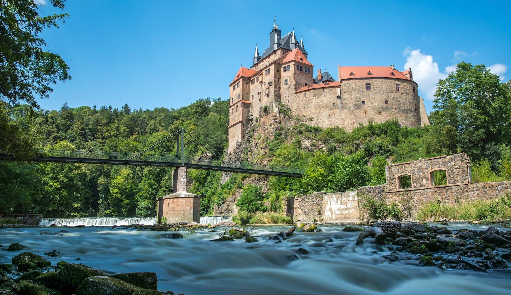 Burg Kriebstein an sonnigem Tag