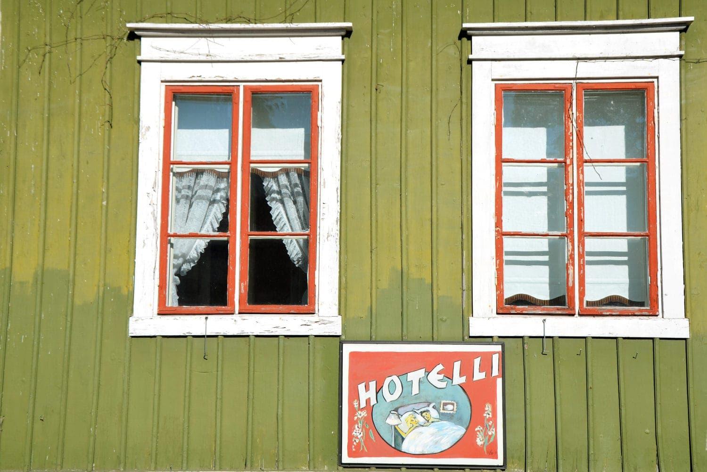 Fenster auf Hotelfenster