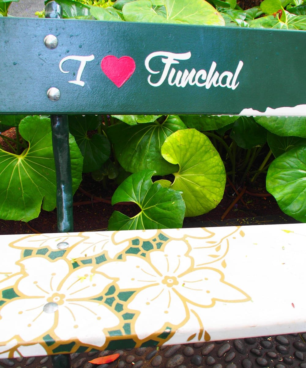 I love Funchal-Zeichen auf Parkbank
