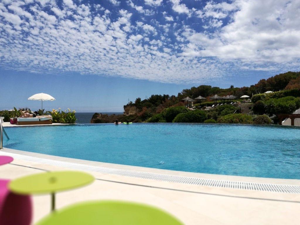 Wunderbare Ruhe am Adults only-Pool im Vila Vita Parc Hotel an der Algarve