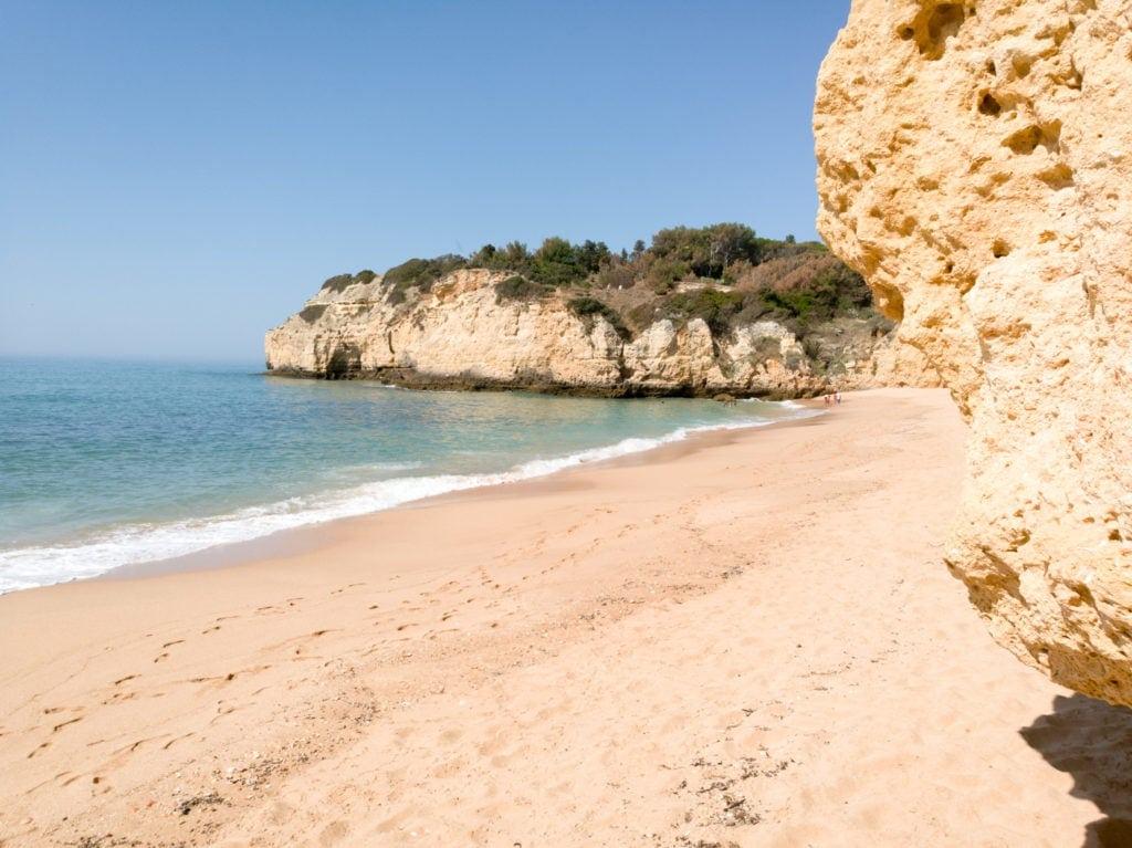 Privater Sandstrandzugang und jede Menge Möglichkeiten aktiv zu sein - im Vila Vita Parc Hotel an der Algarve
