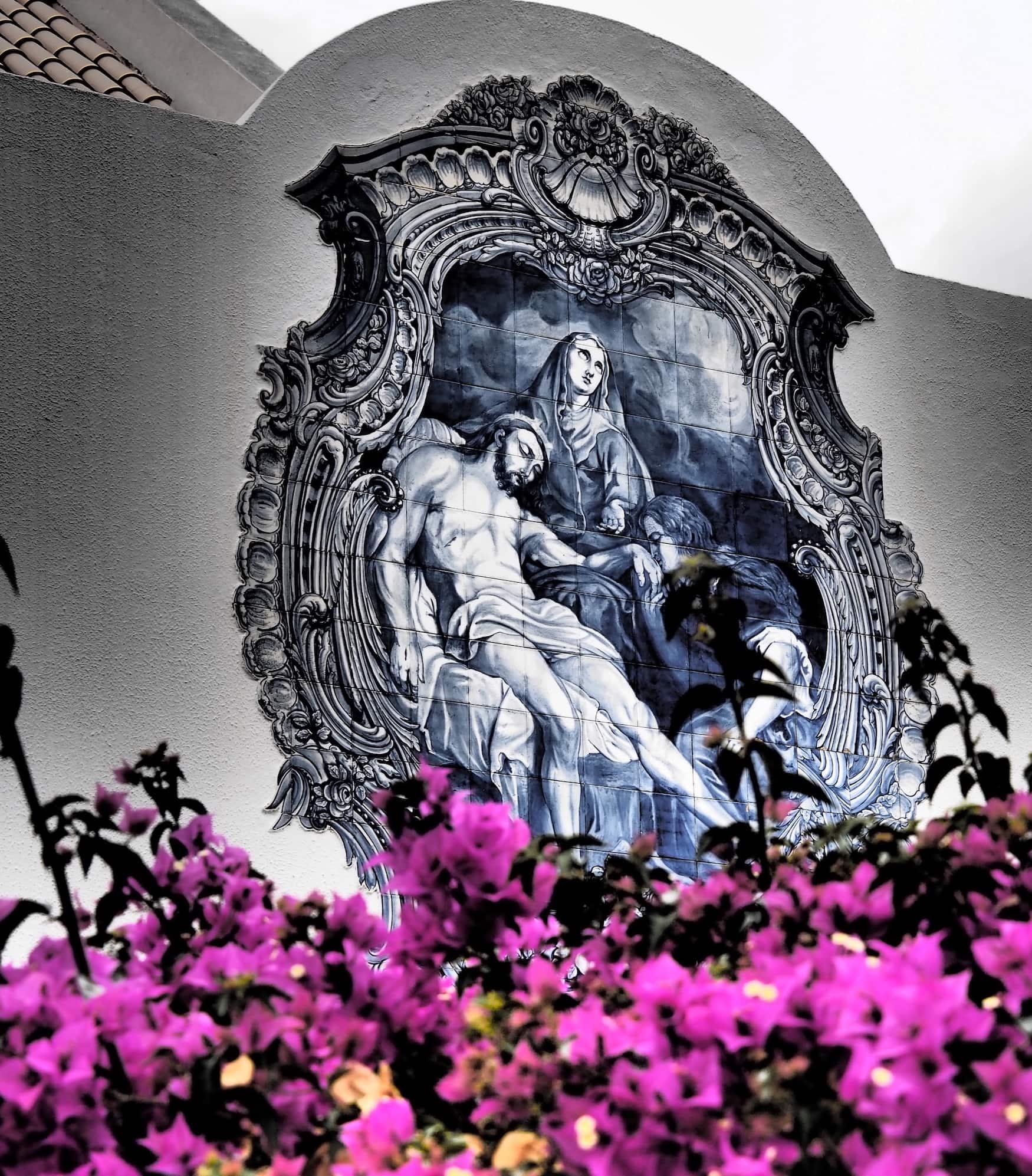 Wandmalerei an Kirche von Porto Santo