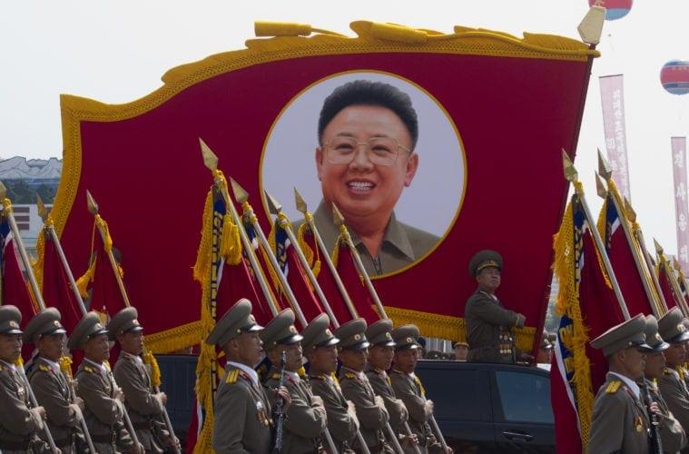 Wie gefährlich sind Reisen nach Nordkorea? Militärparade in der Hauptstadt
