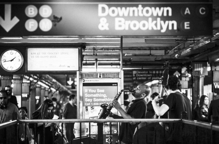 Jazz-Spieler in Underground in New York