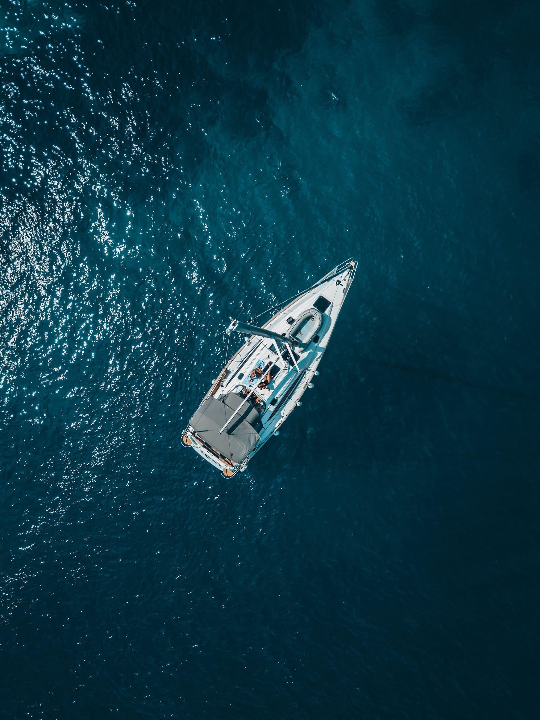Segelschiff auf Meer