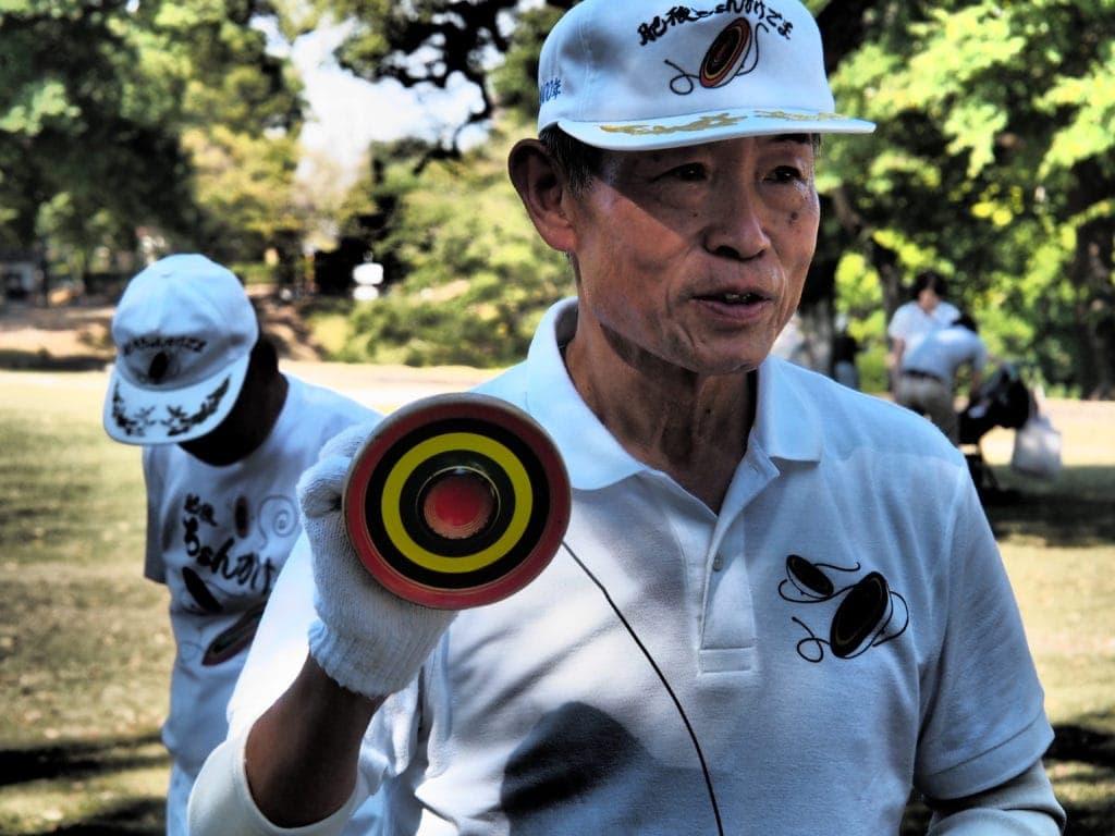 Club der Kreisel vor der Burg Kumamoto
