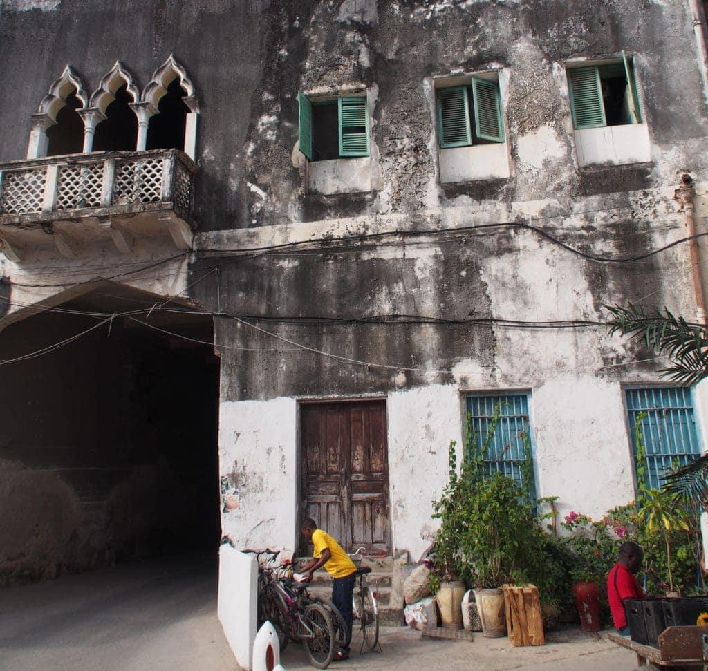 Eingangstor-zur-Altstadt-Stone-Town-Sansibar