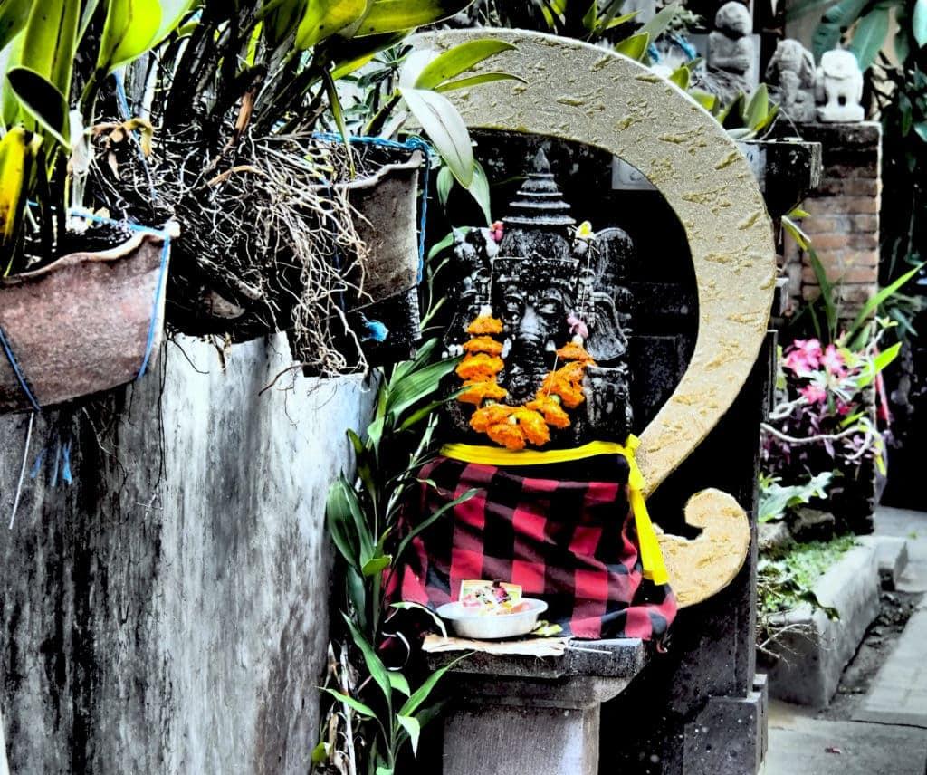 Opfergaben für die Götter auf Bali