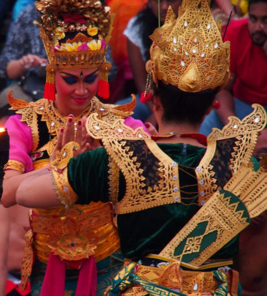 Tänzerinnen am Uluwatu - Bali