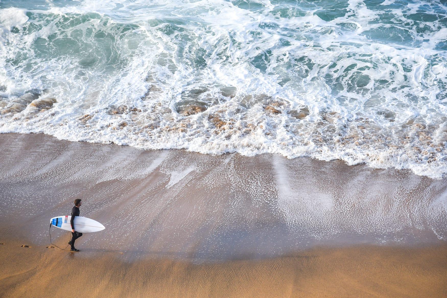 Surfer im Surfurlaub in Australien