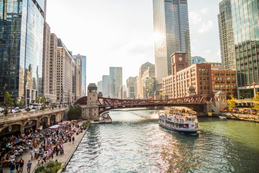 Ausflugsschiff in Chicago