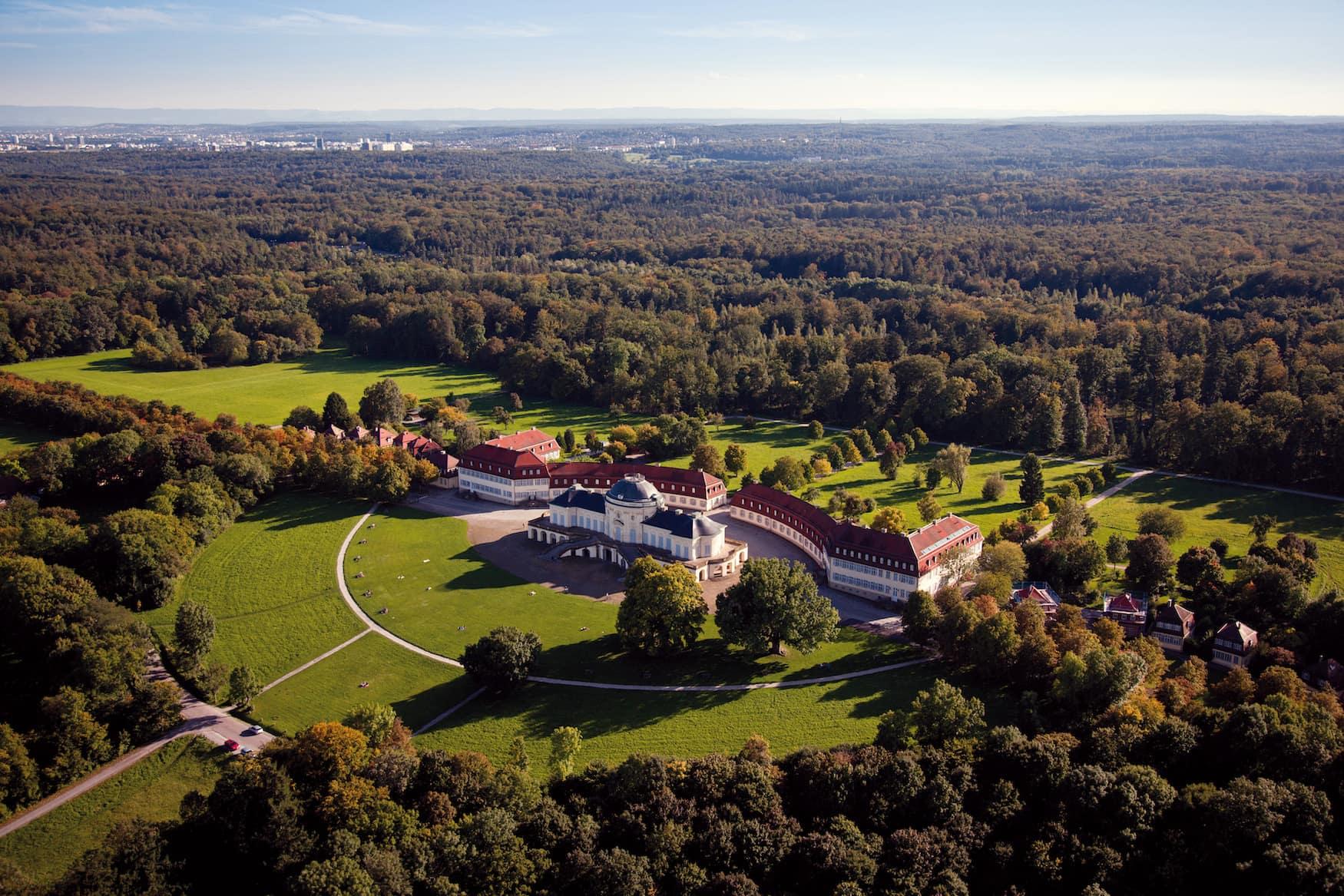 Urlaub mit dem Fahrrad: Eine Tour durch Stuttgart zum Schloss Solitude