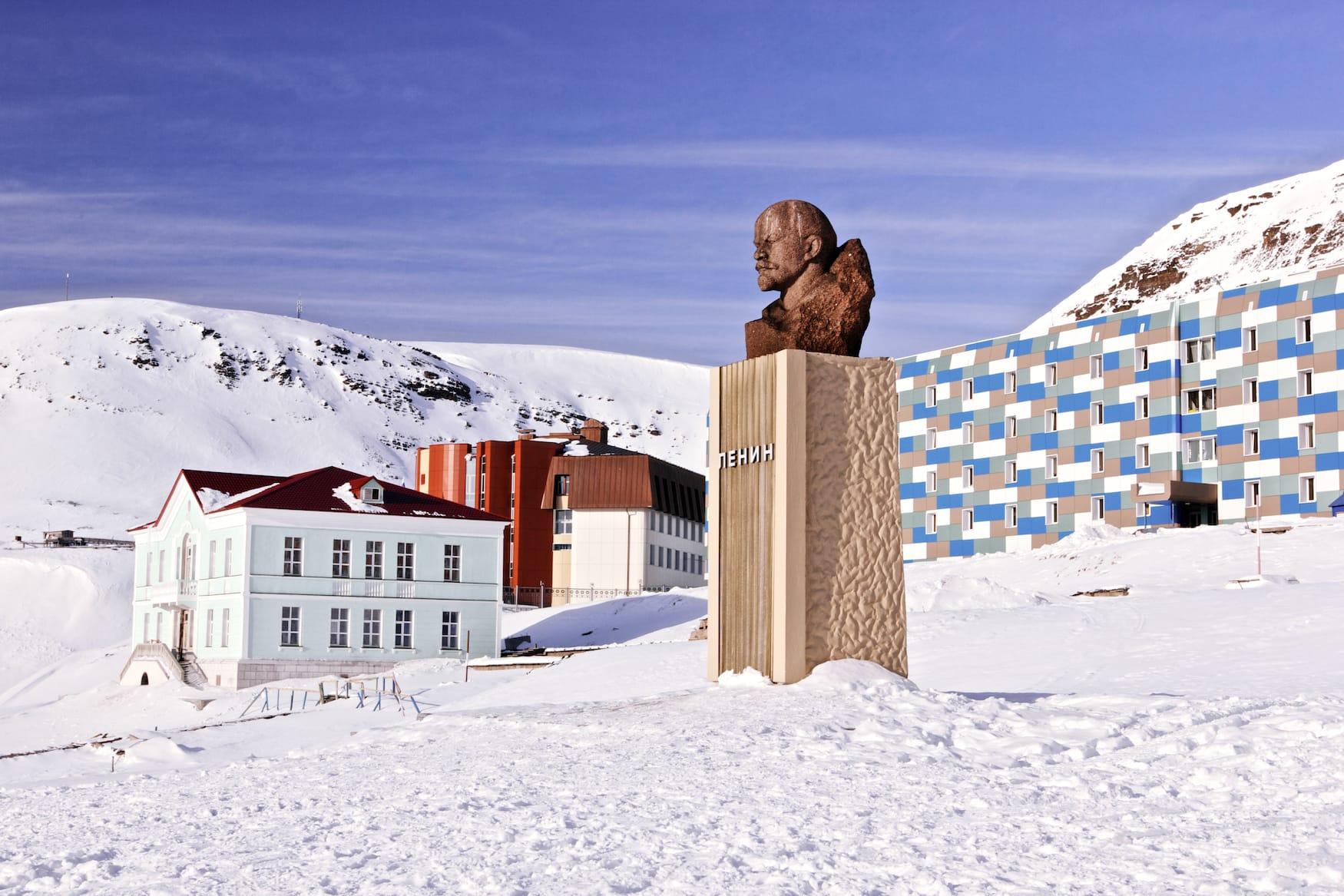 Lenin-Statue in Barentsburg bei Spitzbergen in Norwegen