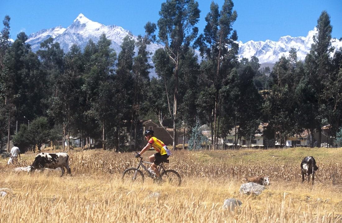 Radfahren im Spätsommer: Fahrradfahrer in Peru
