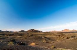 Schöne Landschaft mit Vulkan El Cuervo auf Lanzarote