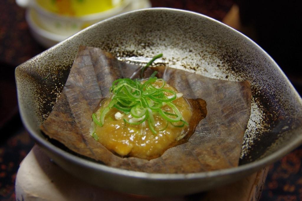 Authentisch japanische Küche erwartet Euch in den besten Ryokans Japans.
