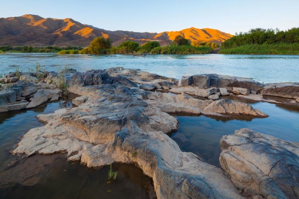 Fluss und Berge im Richtersveld-Nationalpark in Südafrika