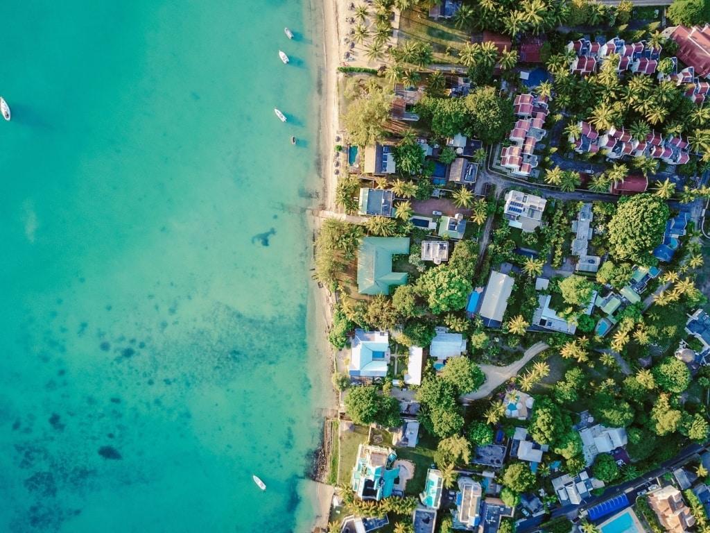 Mauritius ist fast vollkommen von Traumstränden umgeben.