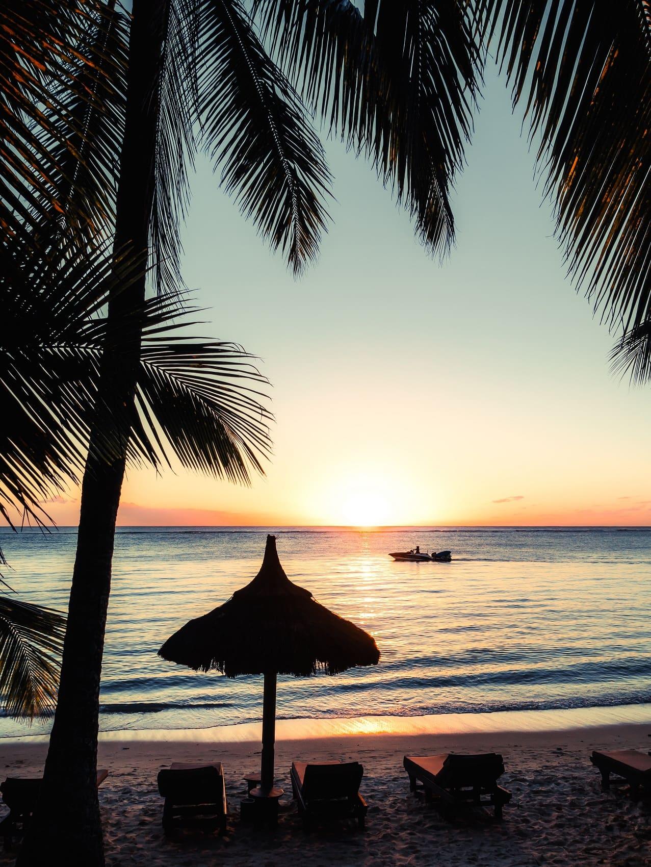Die Sonnenuntergänge sind ein Spektakel für sich auf Mauritius.