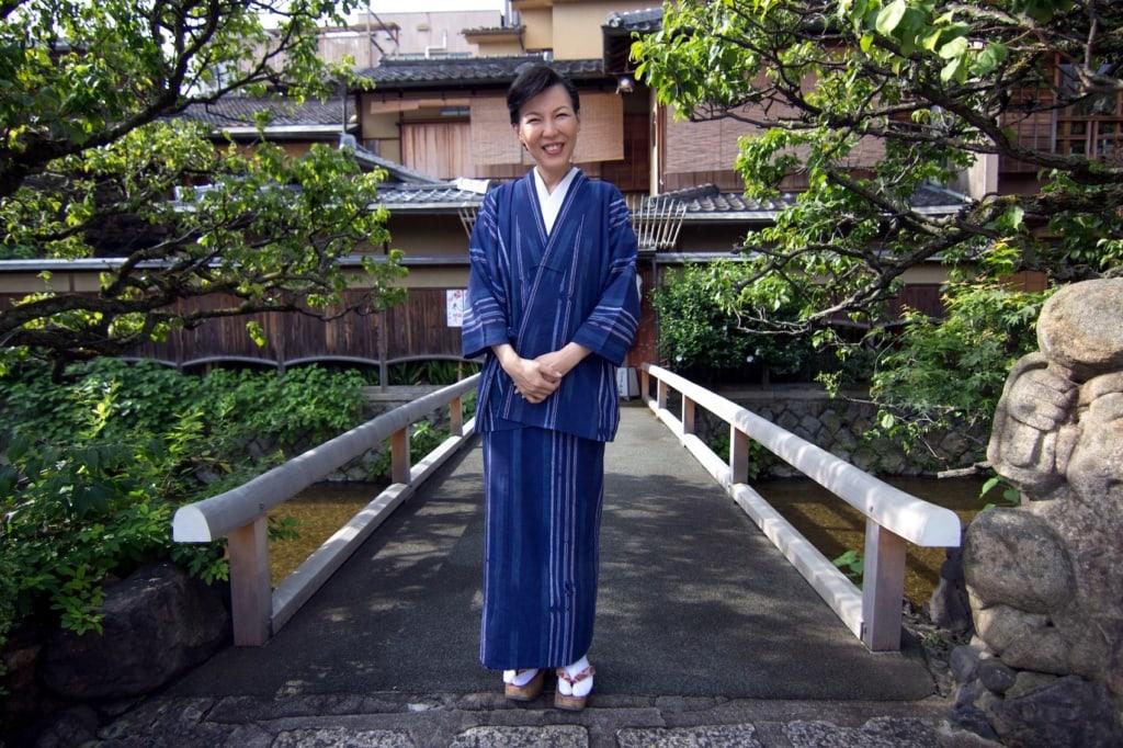Die Herbergsmutter des Ryokans Shiraume in Kyoto macht die Unterkunft zu einem ganz besonderen Erlebnis.
