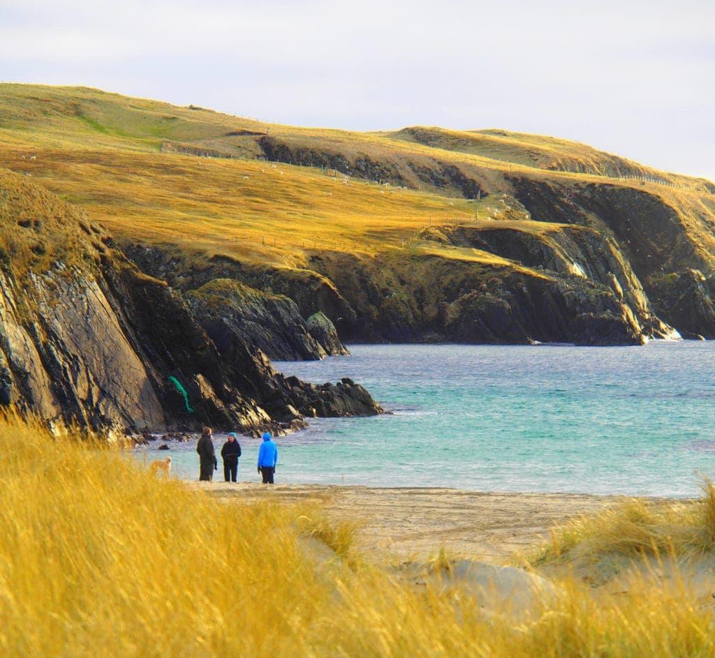 Strand-vor-St-Ninians-Isle-Shetland auf den Shetlandinseln