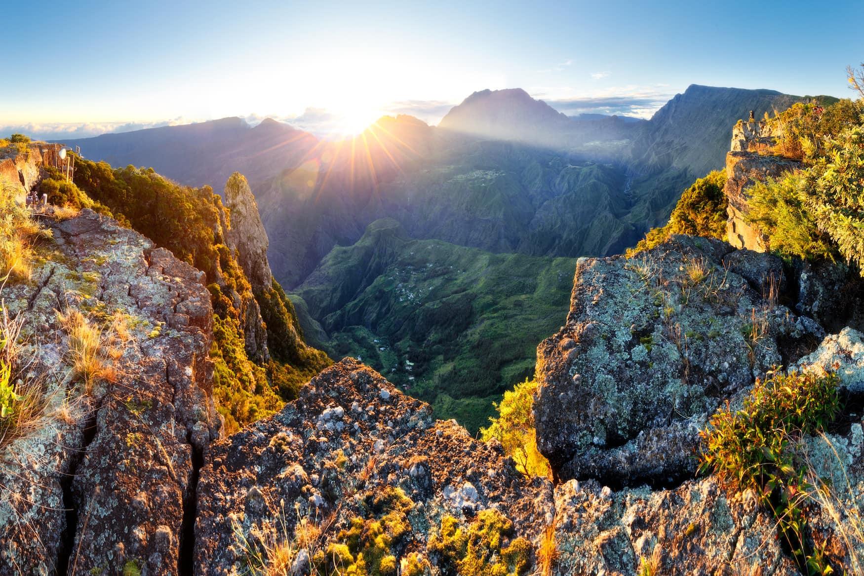 Blick auf Vulkankrater in La Reunion