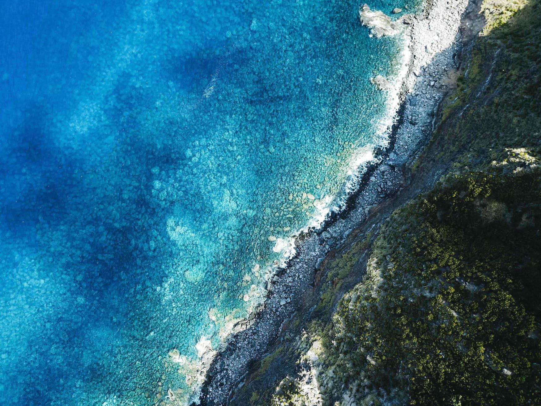 Küstenlinie der Azoren