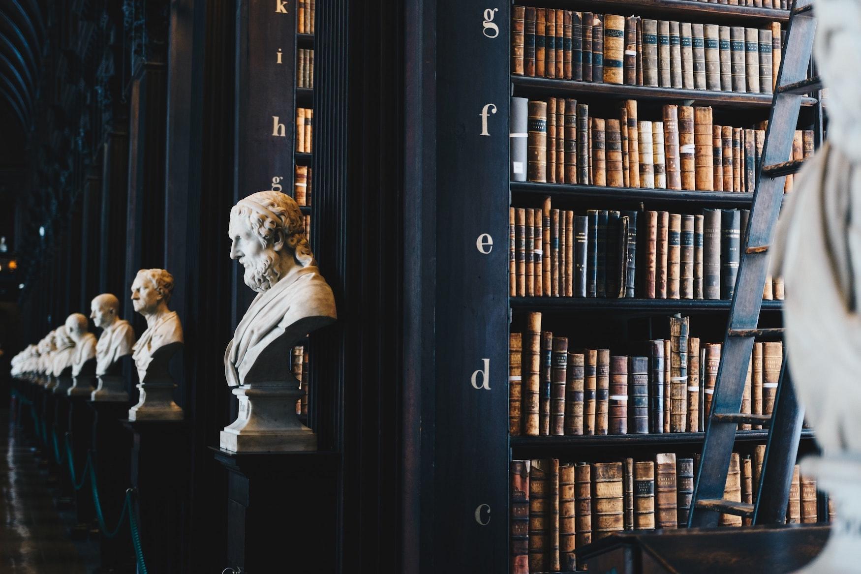 Die Old Library im Trinity College in Dublin zählt zu den Sehenswürdigkeiten der Stadt