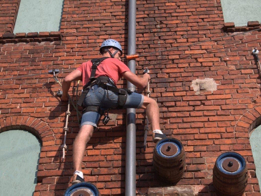 Kletterer in der Ölfabrik in Wittenberg in der Prignitz