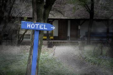 Gruseligsten Hotelbewertungen: Einsames, schauriges Hotel