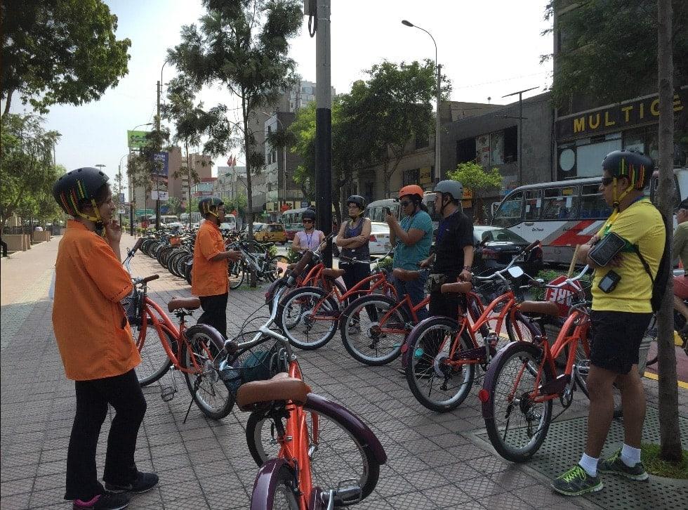 Mit dem Fahrrad durch Lima: Treffen der Teilnehmer